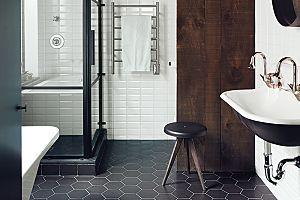 I'm freaking love those Honeycomb Floor Tiles! Black-and-White Bathroom Inspiration.