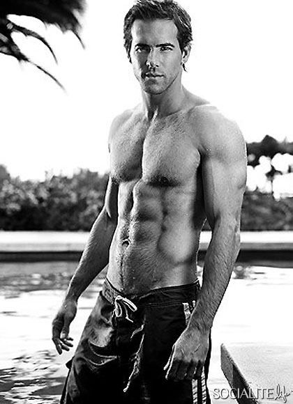Ryan Reynolds shirtless photos six pack muscles abs