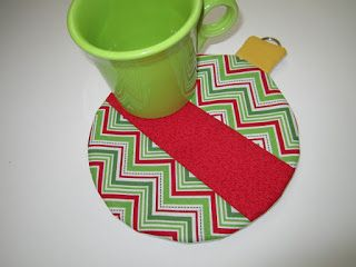 Northern Deb Quilts: Christmas Ornament Mug Rug