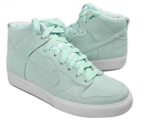 Nike Women's Dunk High AC (Spring 2012 release)