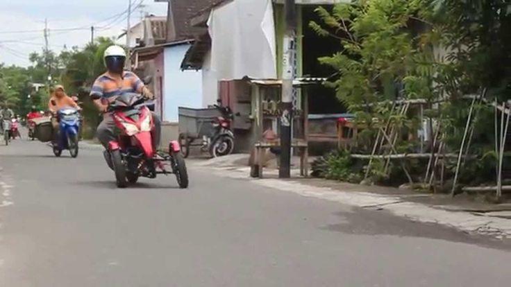 Honda Vario Trike Merah