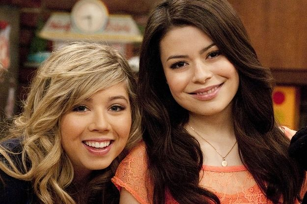"""Are You More Carly Shay Or Sam Puckett From I'm """"iCarly""""?"""