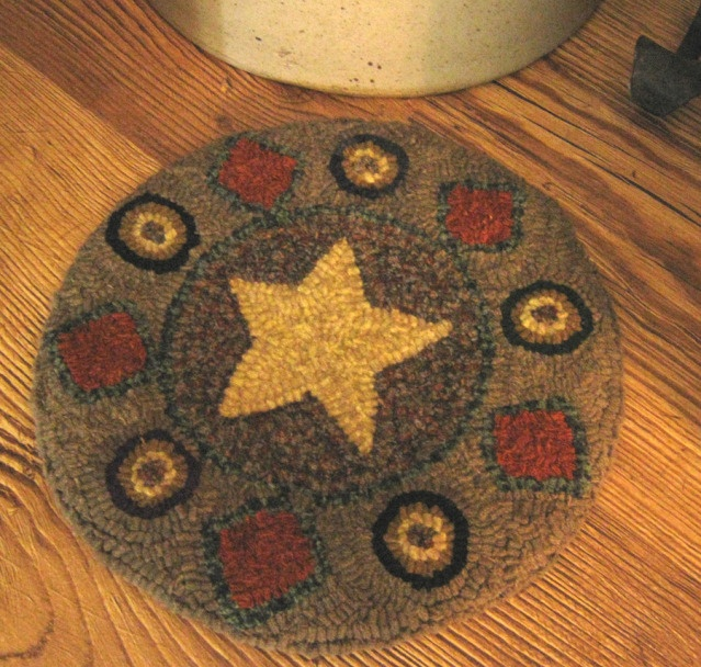 1000+ Images About Rug Hooking Chair Pads On Pinterest