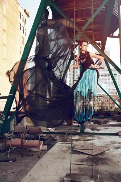Flowing dress - High fashion Photography  - Thien Trang also receives praise from the judges.