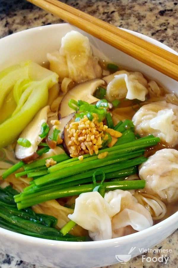 Wonton Vietnamese Noodle Soup (Mi Hoanh Thanh Recipe) - Vietnamese Foody #noodle #noodlesoup