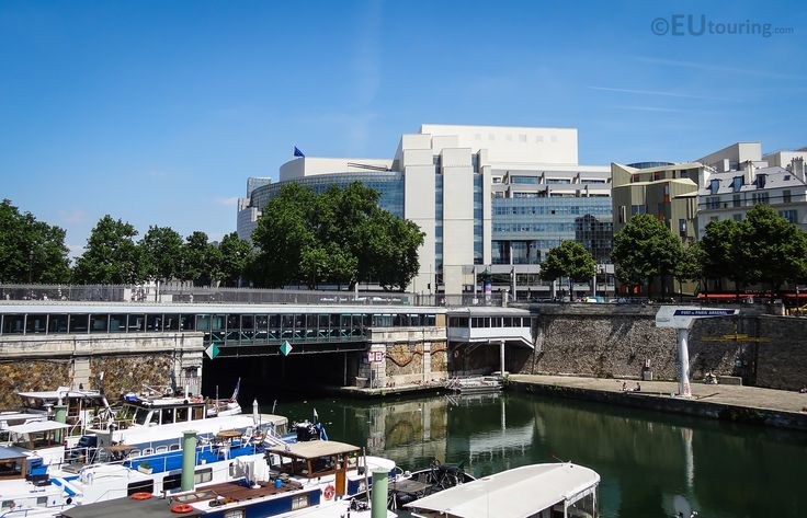 View over Port de l'Arsenal with the Opera Bastille standing behind.  Learn more; www.eutouring.com/images_port_de_l_arsenal.html