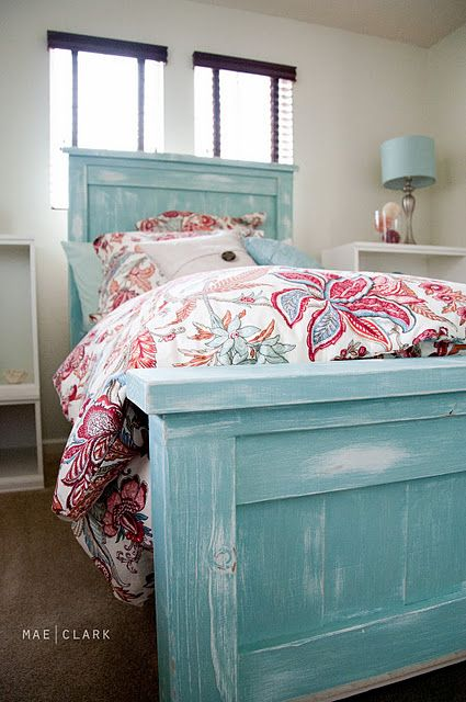 Lovely Turquoise Bed I Feel Like Phil Could Make This