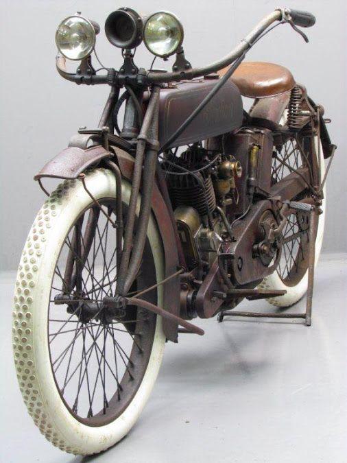 Ferro Velho Motos Antigas : Sapatos Brancos