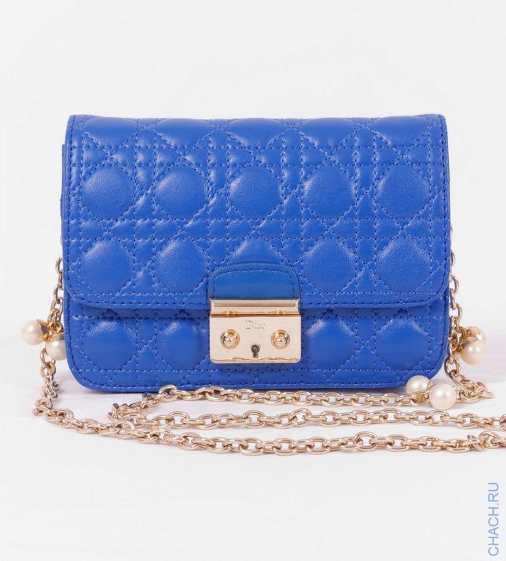 Сумочка Mini Miss Dior синяя, из натуральной мягкой кожи с жемчужным украшением на цепочке