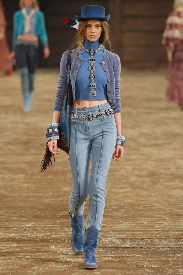 J s everyday fashion on twitter hateful comment re - Chanel Pre Fall 2014 Fashion Show Ondria Hardin