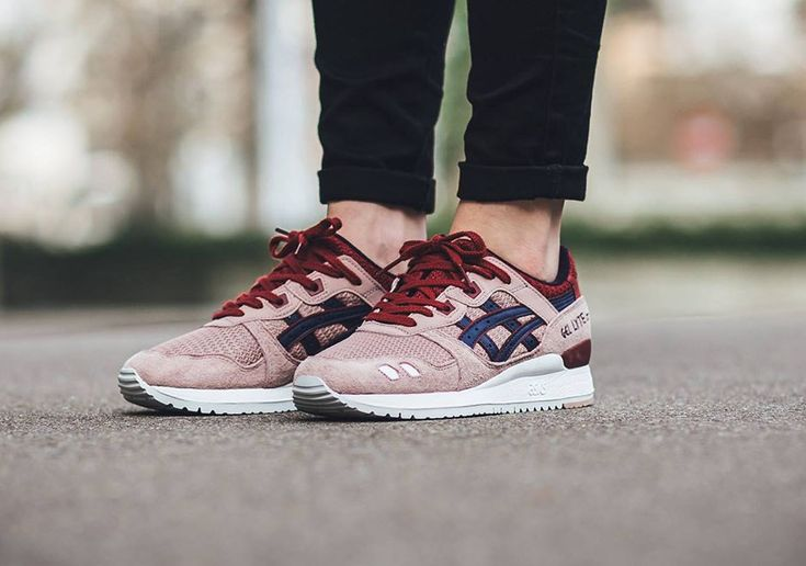 Asics keep going from strength to strength with their drops and the Adobe Rose is another drop that further solidifies that statement. This spring, the ladies are treated to this women's only version of the Gel Lyte III. This runner features a red and pink suede and mesh upper as well as hits of dark …