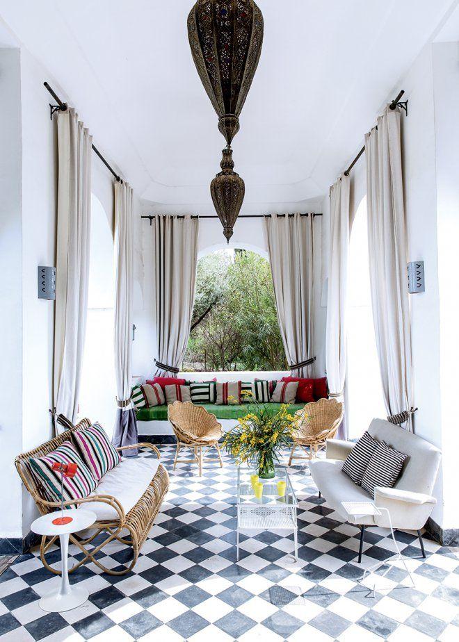 carrelage extu00e9rieur maroc : Un salon marocain u00e0 lu0026#39;extu00e9rieur - Marie ...