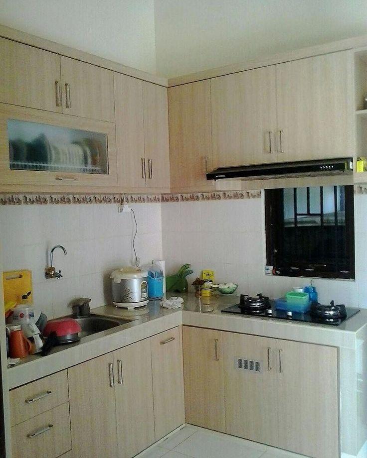 Contoh concrete kitchen set. Perhatikan pemilihan warna dan tekstur yg digunakan utk pintu kitchen set.