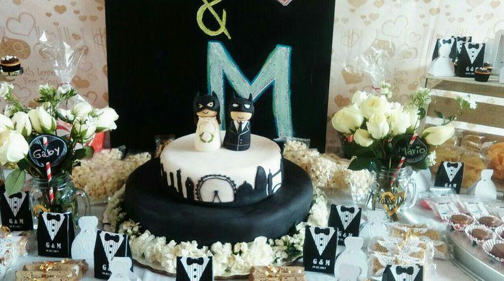 Pastel de boda: Batman. Pasteles y cupcakes de Laura Quetzalli.