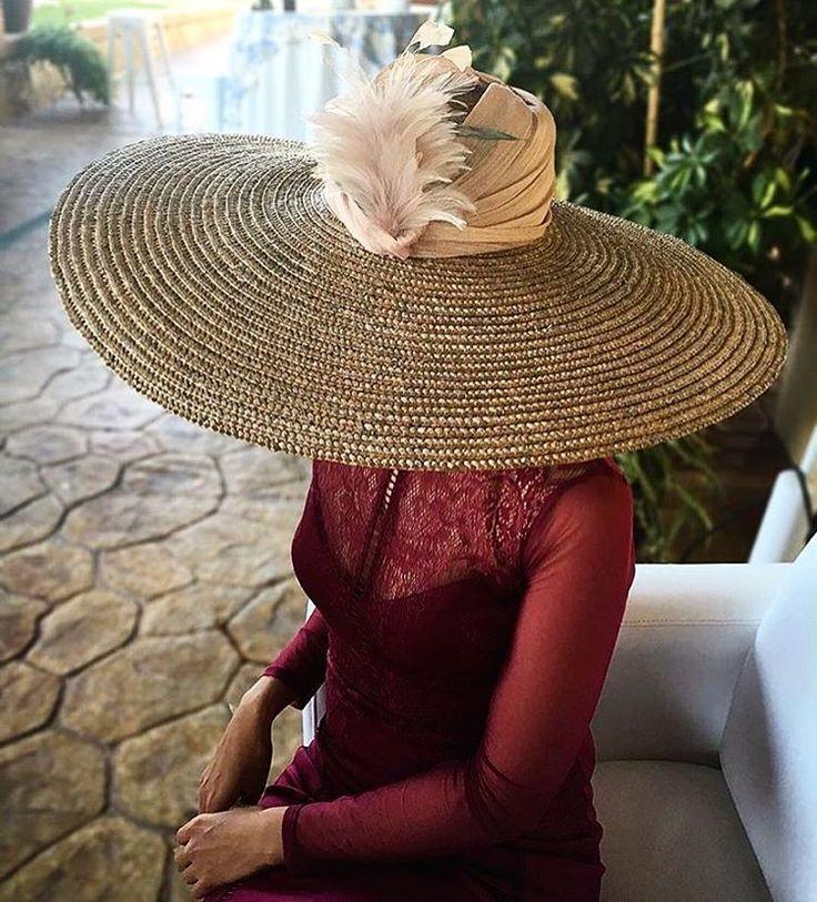 Una maxi pamela nunca está de más #invitada #invitadaperfecta #boda #wedding #hat #guest #casamento #marriage #fashion #style #pamela #love #weddingphotography @creartetanto