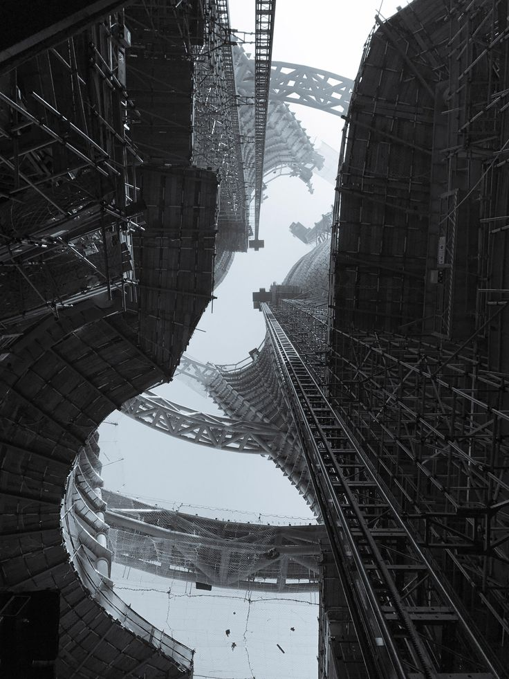 "Zaha Hadid Architects reveals shots of ""world's highest atrium"""