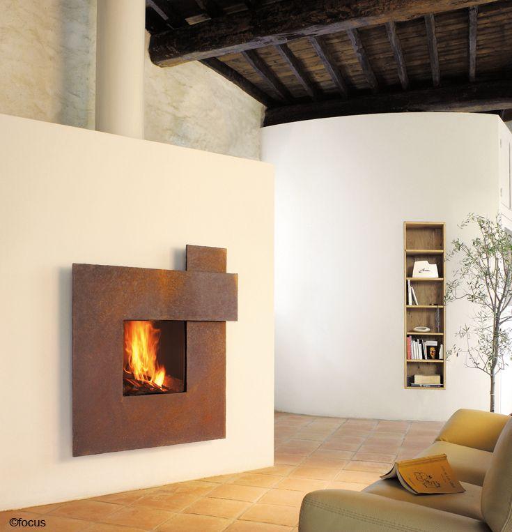 #cheminee metafocus foyer fermé à haut rendement avec façade en acier rouillé #design contemporain