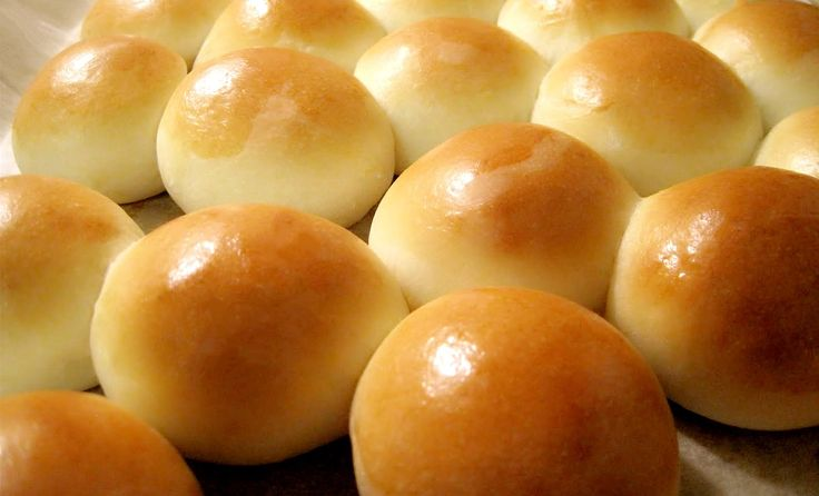 How to Make Super Soft and Moist Chinese Bakery Dinner Bread Rolls 牛奶小餐包...