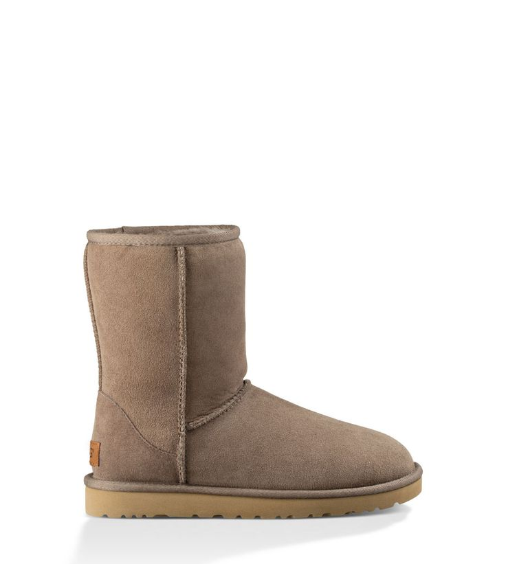 Shop our collection of women's sheepskin boots including the Classic Short II. Free Shipping