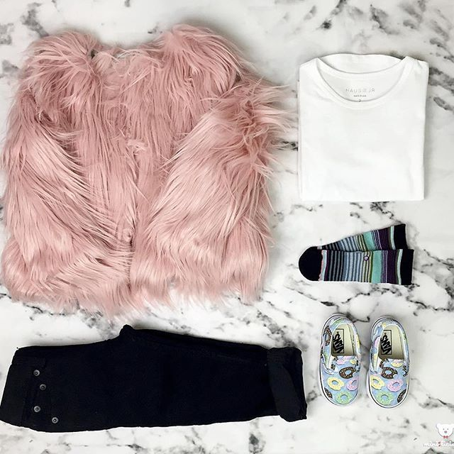 Show us what your mini is rockin' today with #minioutfits. #Appaman faux fur jacket #hausofjr tee #Levis skinny jeans #Stance kids socks #Vans Donut slip-ons Follow us on @minilicious & visit #minilicious.com #KidsFashion #WDYWTgrid #WDYWT •
