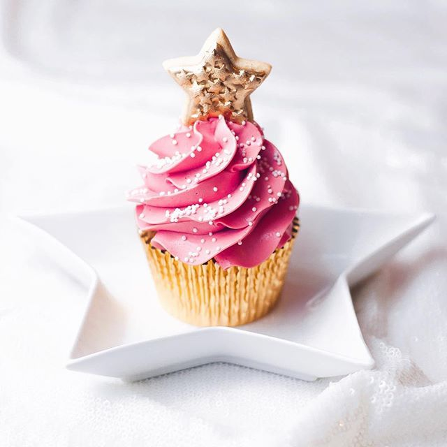 We love a pink Christmas tree... especially in cupcake form! 🎄🎄🎄
