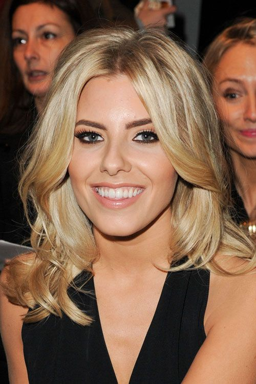Mollie King Wavy Hairstyle | Steal Her Style