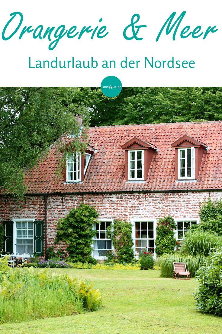 Die im Jahr 1712 errichtete und unter Denkmalschutz stehende Orangerie ist das älteste Beispiel ihrer Art in Norddeutschland. Der großzügige Garten, umgeben von Graften und Bäumen des Fürstenwalds, bietet einen sonnigen Raum voll Ruhe und Privatsphäre fernab des Alltags. Das Ferienhaus der anderen Art!