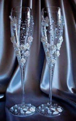 La presentaciónde las copas para Boda o XV años no tiene porque ser aburrida y simple. Hay muchas opciones que se pueden tomar en cuenta dep...