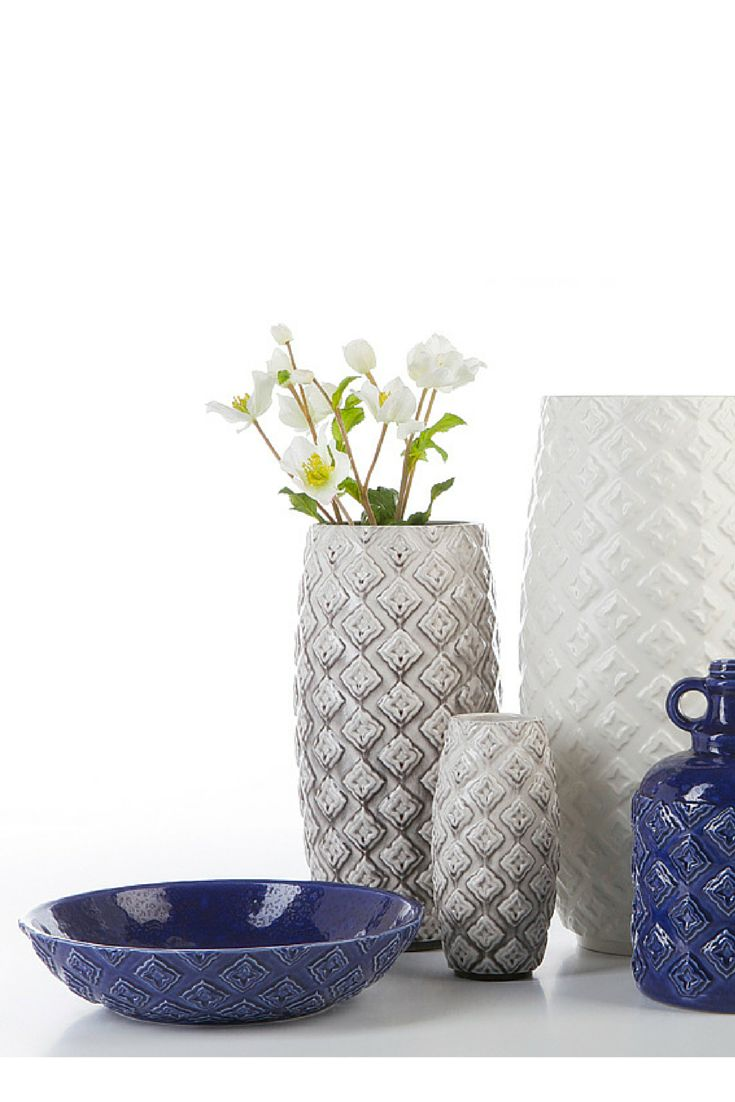 Tradition #ceramics #homelivingceramics #vase #bottle #texture #blue #homeaccessories #interiordesign | www.arfaigm.com
