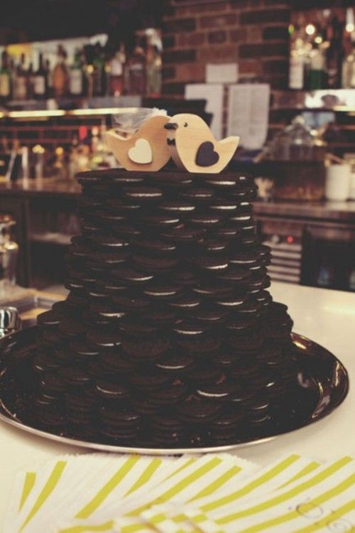 cheap wedding cakes toronto best 25 oreo wedding cake ideas on black 12545