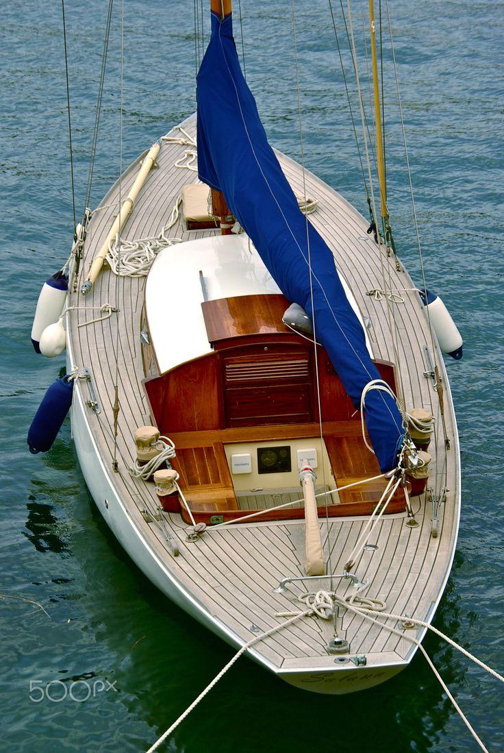 sailboat - null