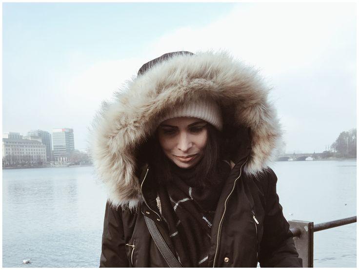THE WINTER JACKET | June Gold wearing a black Zara winter jacket