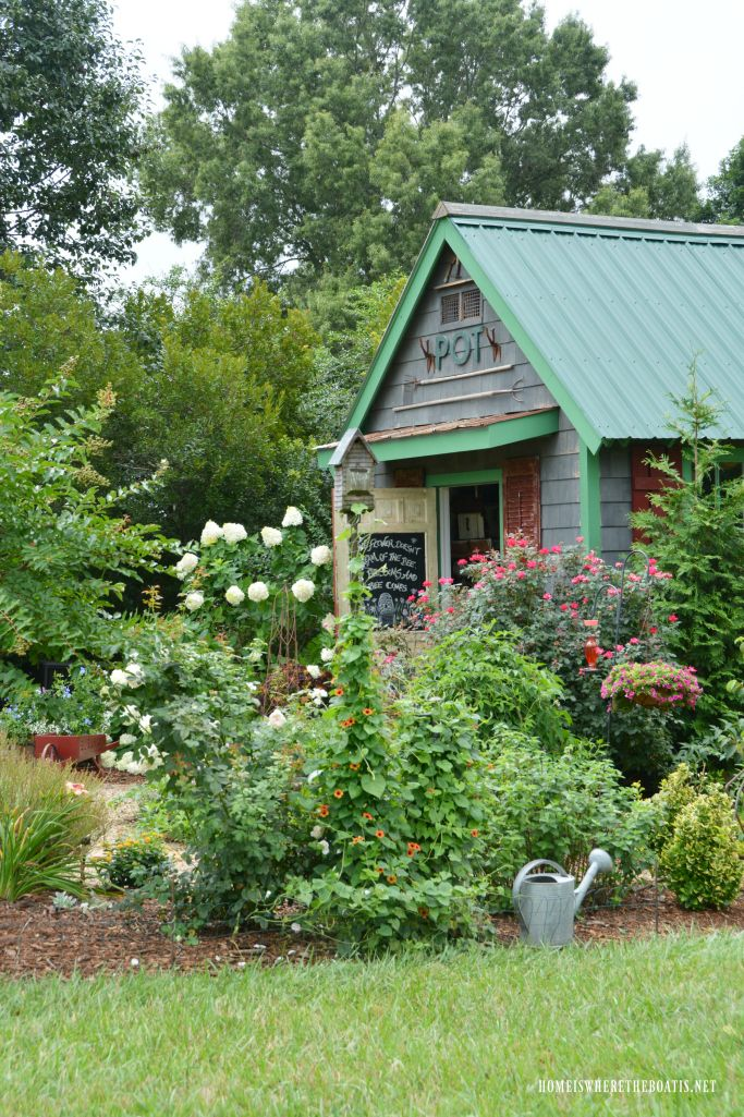 Chalking It Up: Bees And Flowers Around The Potting Shed |  ©homeiswheretheboatis.net