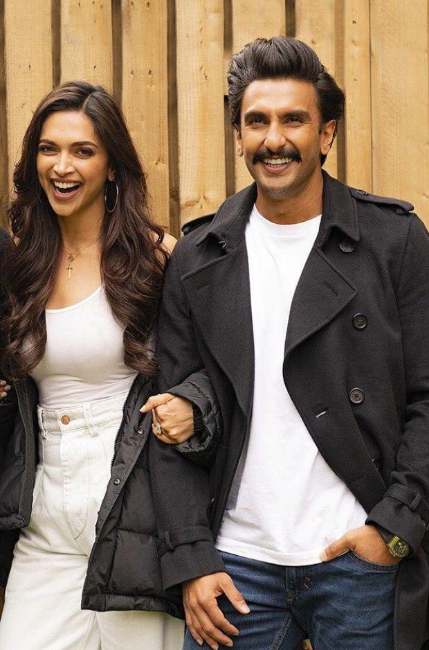Happy Anniversary Deepveer Just 20 Photos Of The Stunning Pair Deepika Padukone And Ranveer Singh Ever S Ranveer Singh Bollywood Fashion Bollywood Celebrities