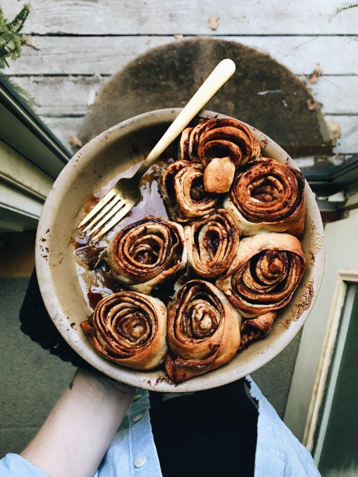 Saturday morning Pumpkin Spice Cinnamon Rolls by @FoxMeetsBear