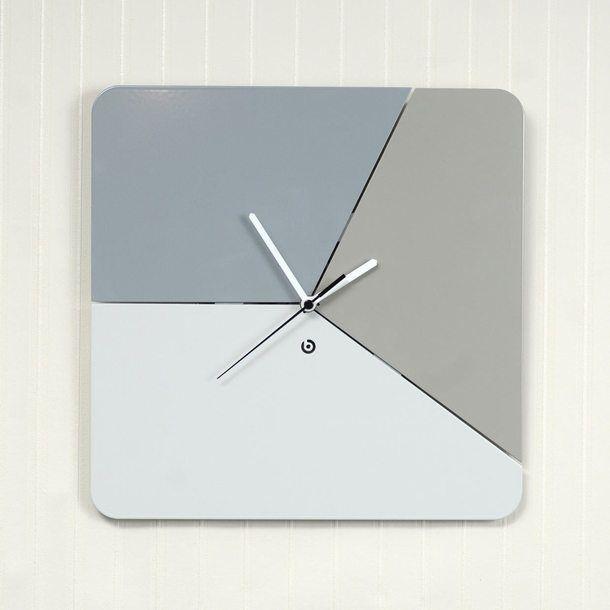 Tricolor Clock