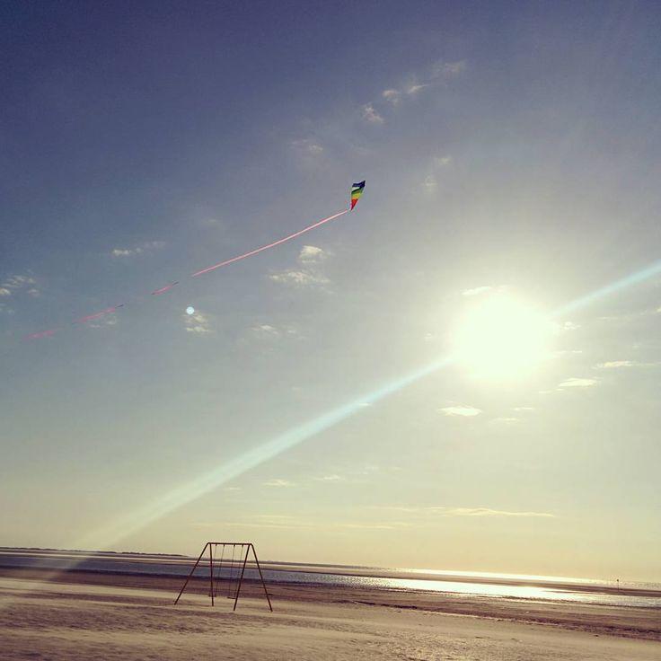 #langeoog #ostfriesland #ostfriesen #eastfrisianisland #holidays #drachen #drachenfliegen #kite #flyingkites #timewithmylove #naturelovers