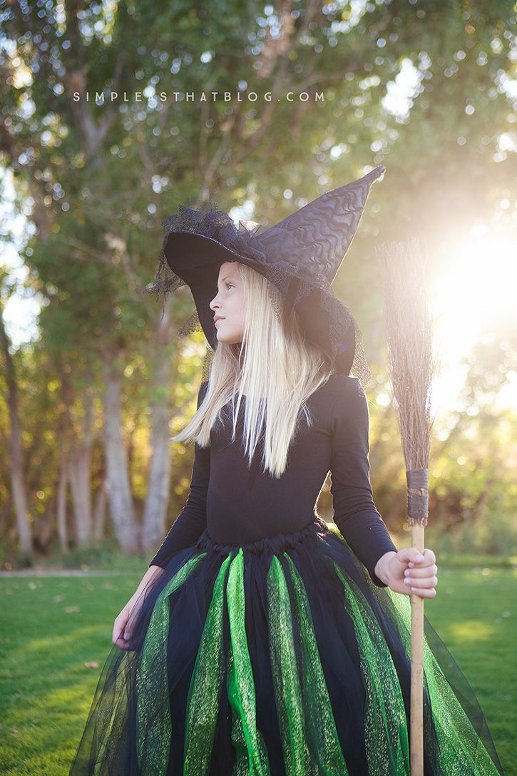 DIY Glinda and Wicked Witch of the West Halloween Costumes - simple as that