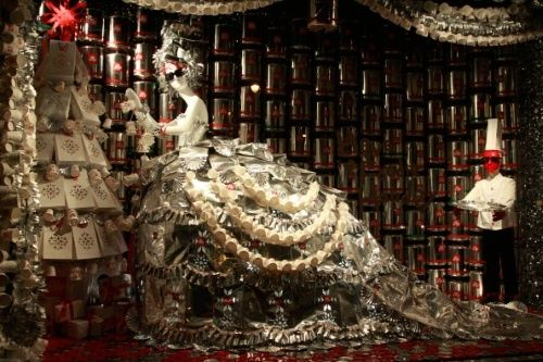 ELEMENTS MAGAZINE: Christmas Store Displays in NYC