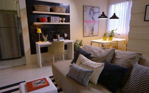 Veja dicas para aumentar o número de assentos na sala de estar sem desperdiçar espaço - Olho Mágico – Reforma de Vizinhos - GNT