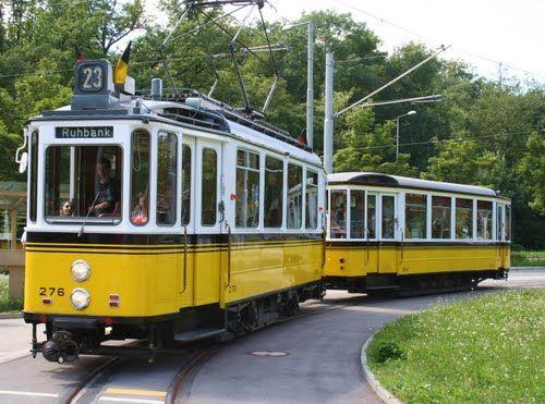 Stuttgart: Historische Straßenbahn (Baujahr 1952)
