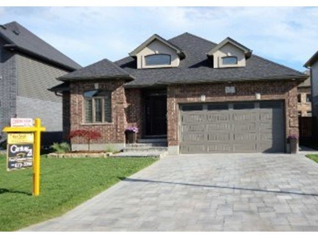 1523 SANDPIPER DR - With just under 3000 sq ft of luxury living, this absolutely stunning 4 bedroom, open concept, double car bungalow is located in the beautiful new development of Fanshawe Ridge. CALL KEN SMALL 519.673.3390  http://www.century21.ca/Property/101156004