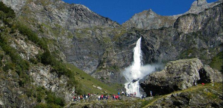 La imponente Cascada del Serio - http://www.absolutitalia.com/la-imponente-cascada-del-serio/