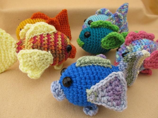 Free Crochet Fish Pillow Pattern : 17 beste afbeeldingen over amigurumi fish op Pinterest ...