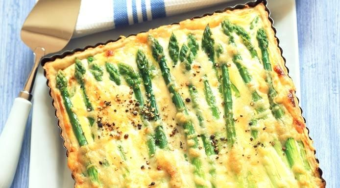 A easy vegetarian quiche recipe, with asparagus and ricotta cheese, the perfect idea for a spring/summer brunch menu
