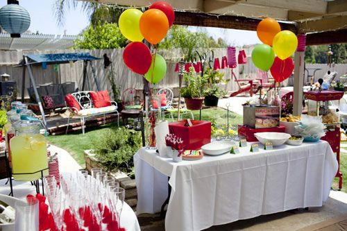Backyard bbq baby shower ideas real party under the big for Baby shower bbq decoration ideas