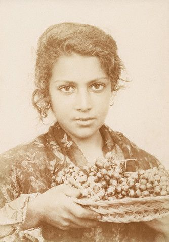 Sicilian Woman Holding Grapes, 1914