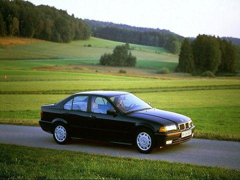 BMW 318i Sedan (1990 – 1998).