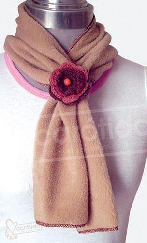 Bufanda Polar con Flor  by carotida moda, via Flickr