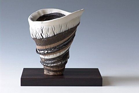 Dutch ceramist Tjerk van der Veen is inspired by nature and combines elements from minerals, shells and coral within his work.